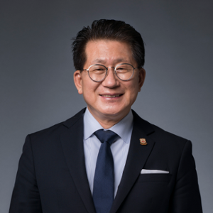 Kaye Chon (Dean  of School of Hotel and Tourism Management at The Hong Kong Polytechnic University)